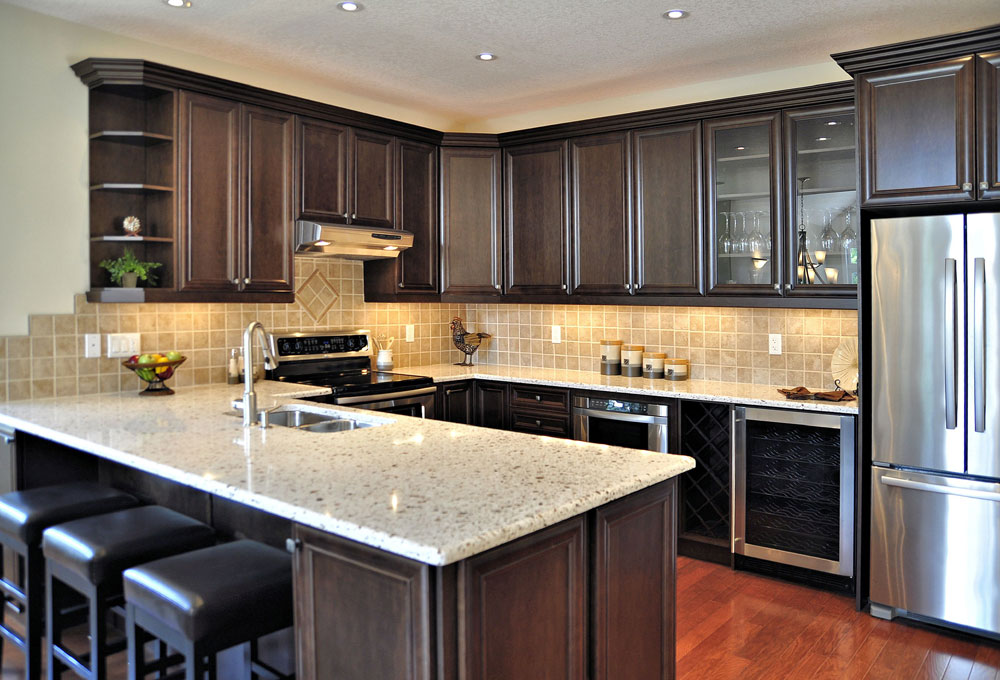 Silver beach model home virtual tour haliburton ontario for Model home kitchen images
